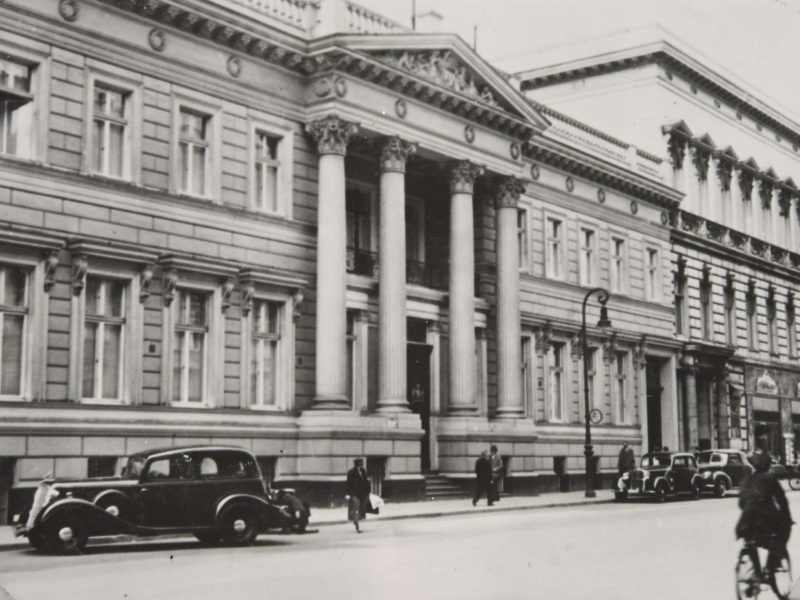 A black-and-white photograph of the exterior of the British Embassy in Berlin taken in 1935